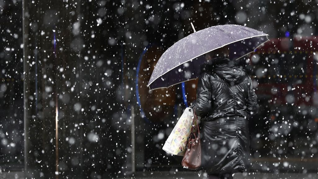 El frío, la nieve y el oleaje ponen en riesgo a 30 provincias