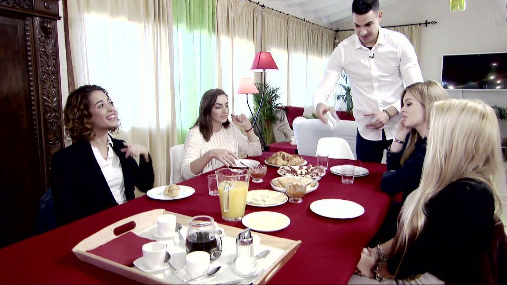 La cita más multitudinaria de 'Myh': Iván desayuna con todas sus pretendientas
