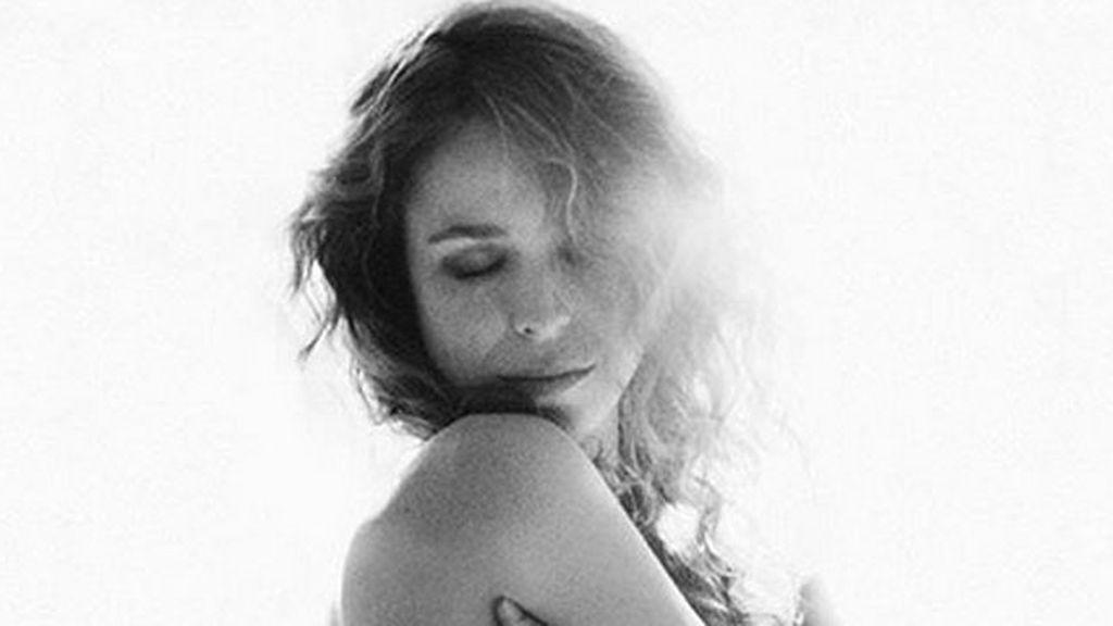 Candidez e ilusión: la significativa foto 'naked' de Silvia Abascal días antes de dar a luz