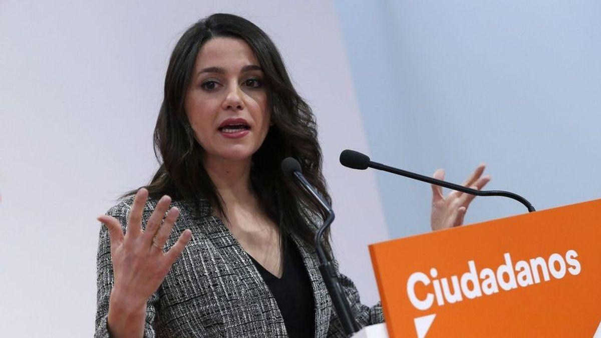 "La mujer que deseó en Facebook que ""violasen en grupo"" a Inés Arrimadas pacta cuatro meses de prisión"