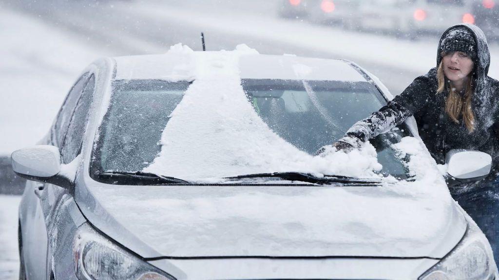 ¿Qué hacer cuando te encuentras tu coche congelado?