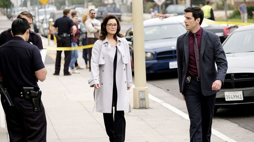 major-crimes-t6-cap._5a55ebb207d43