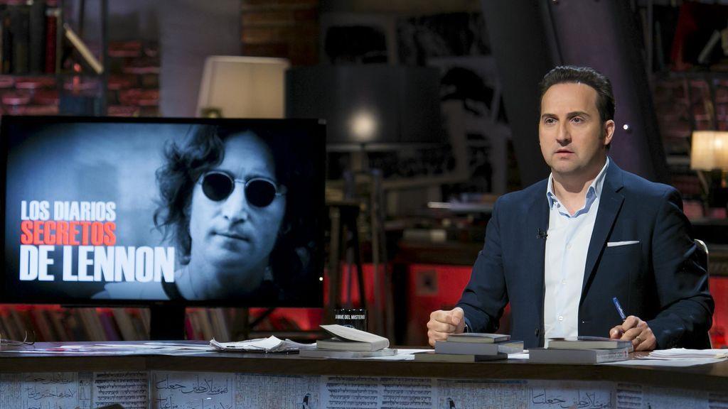 Iker Jiménez, en el especial sobre los diarios de John Lennon de 'Cuarto milenio'.