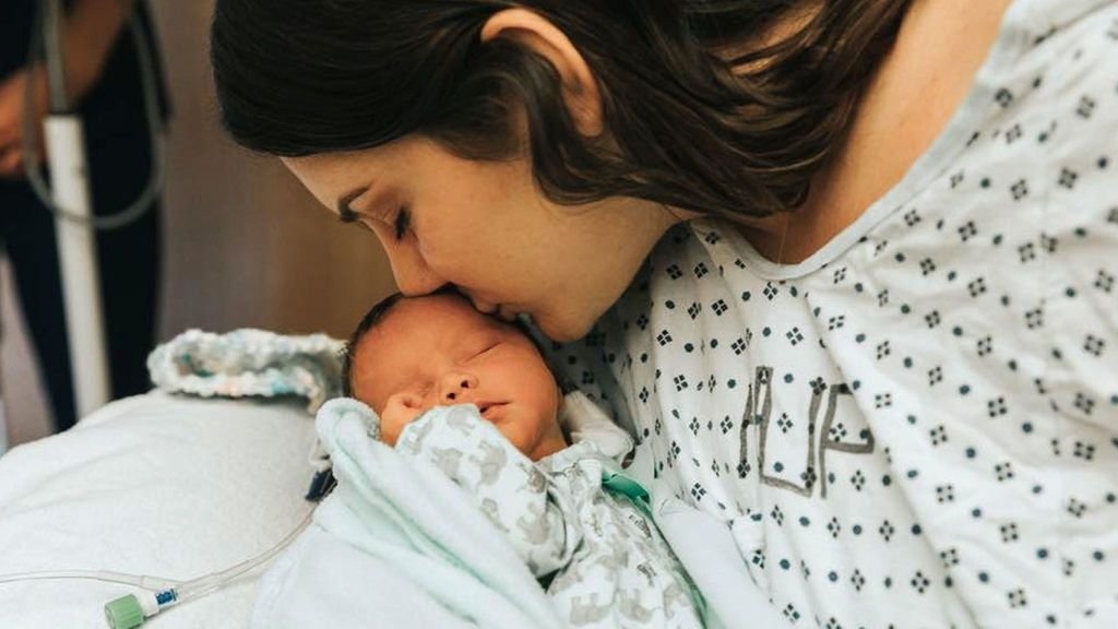 Una adolescente con un tumor cerebral en fase terminal da a luz a un bebé sano en  Pensilvania