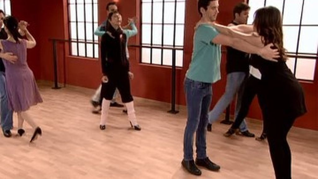 ¡Qué buena idea! Apuntarse a clases de baile para olvidar a Luisma, con Luisma