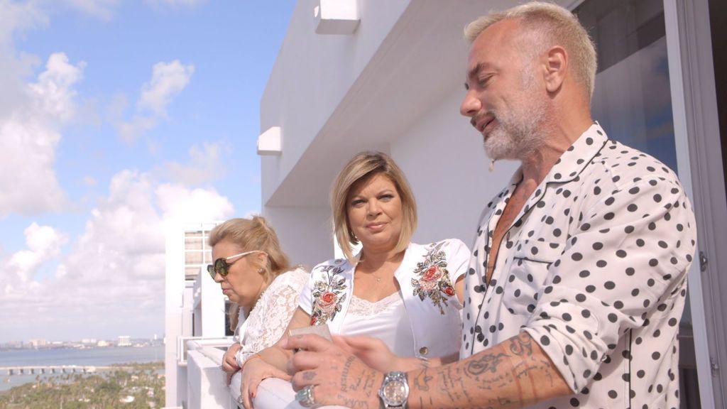 Carmen Borrego y Terelu Campos visitan la casa de Gianluca Vacchi.