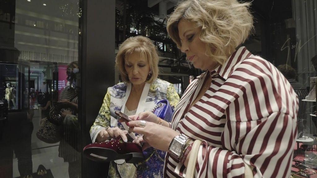 Mª Teresa le compra un regalo de 600 euros a Edmundo y después... ¡Se olvida de la bolsa!
