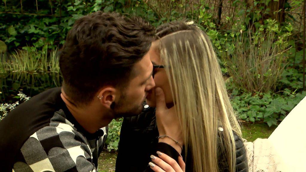Cita Barranco y Marita: ¡Por fin se han besado!