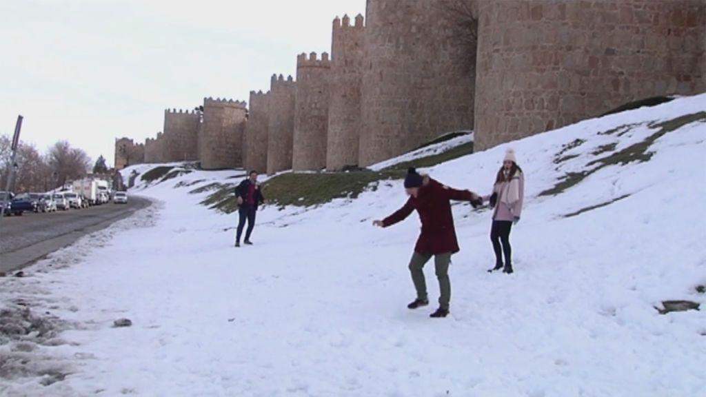 Castilla y León y Madrid se preparan para otro fin de semana de nevadas