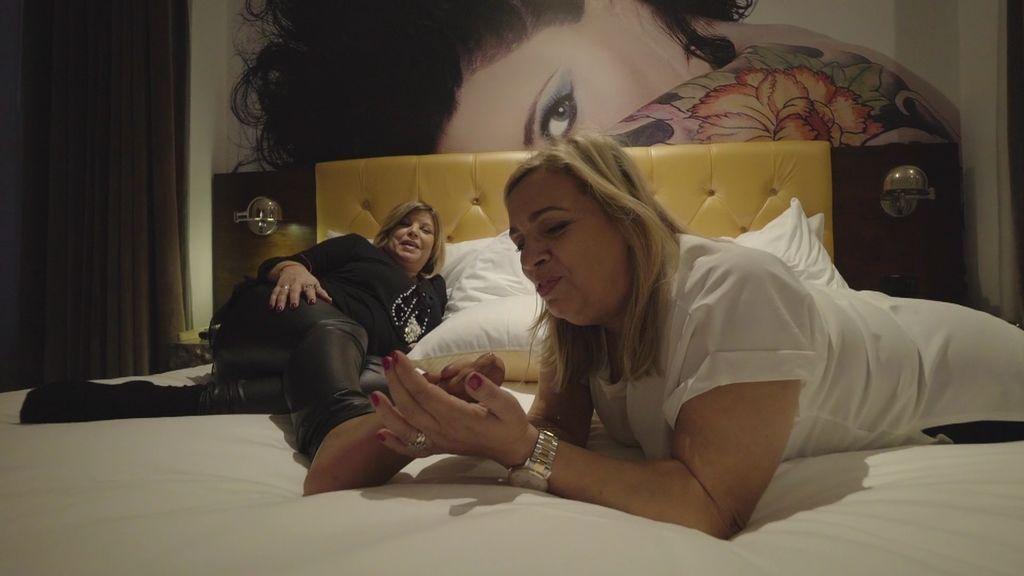 """Carmen masajea a Terelu a cambio de 20 dólares: """"Te cantan los pies"""""""