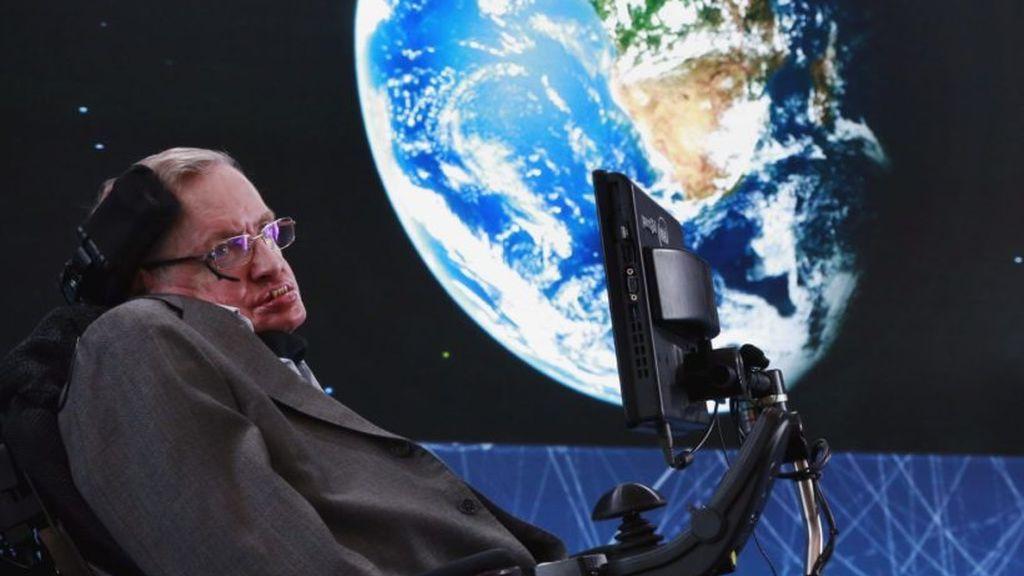 """Stephen Hawking advierte que la Tierra se convertirá en """"un infierno"""" dentro de 200 años"""
