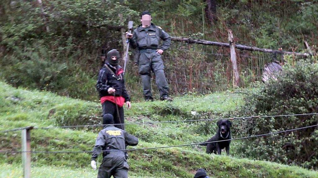 Localizado un zulo de ETA con detonadores y explosivos en un bosque de Francia