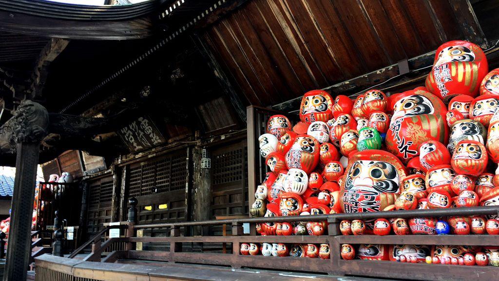 Viaje por el Japón desconocido y misterioso III: Gunma, seda y Daruma