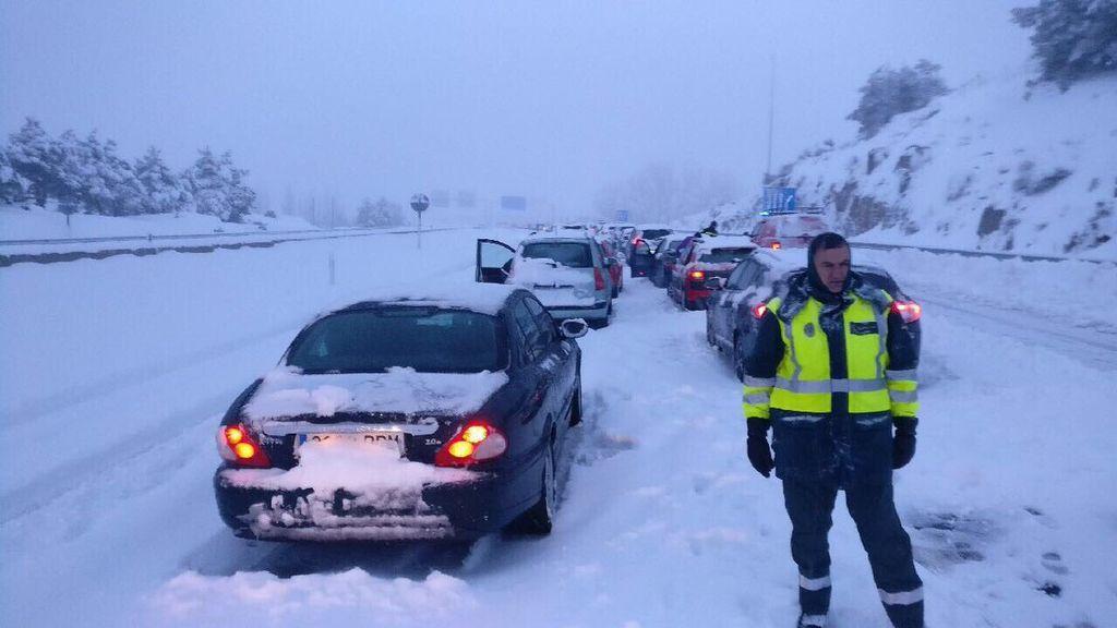 La DGT recomienda evitar el coche en varias carreteras CyL y Madrid ante un nuevo temporal de nieve