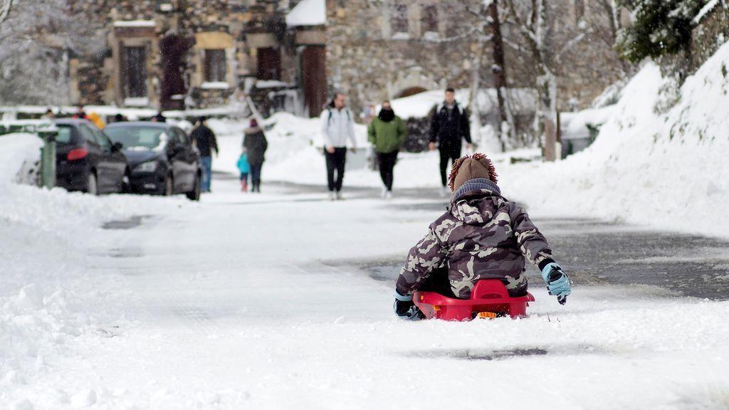 Doce provincias activan avisos por frío, nieve y lluvia