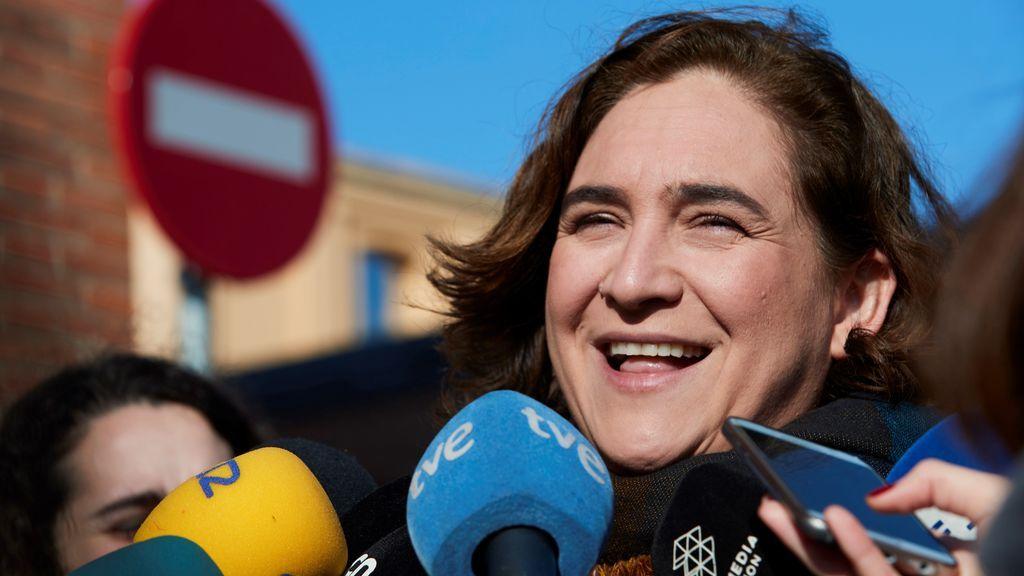 """Colau ve """"lógico"""" que quien opte a presidir la Generalitat debe estar en Cataluña"""