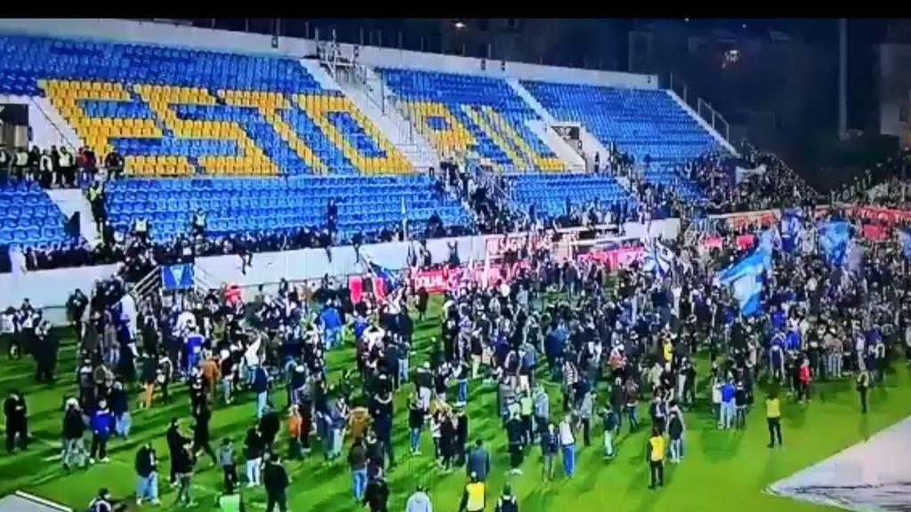 Suspendido en Portugal el partido Estoril-Oporto por riesgo de derrumbe al abrirse una gran grieta en la grada