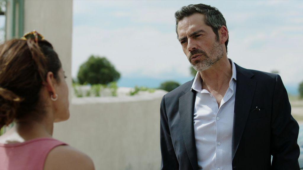 Paul Bresson lleva a Lucía a casa y José Espada se pone celoso
