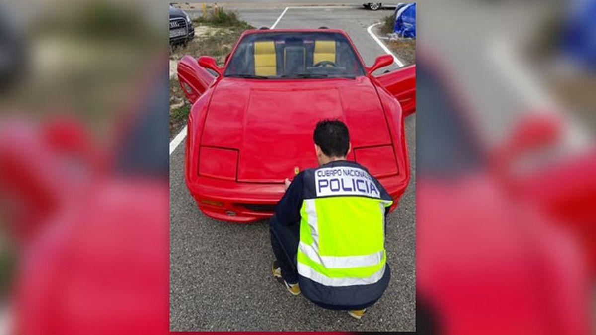 Detenido por modificar su coche para transformarlo en un Ferrari y venderlo