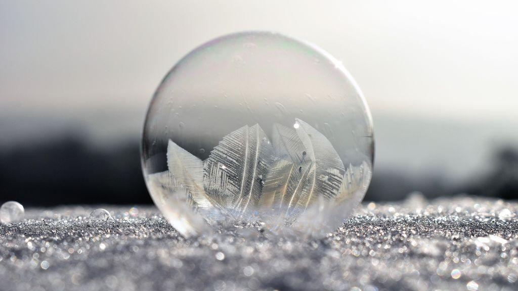 soap-bubbles-2013984_1920