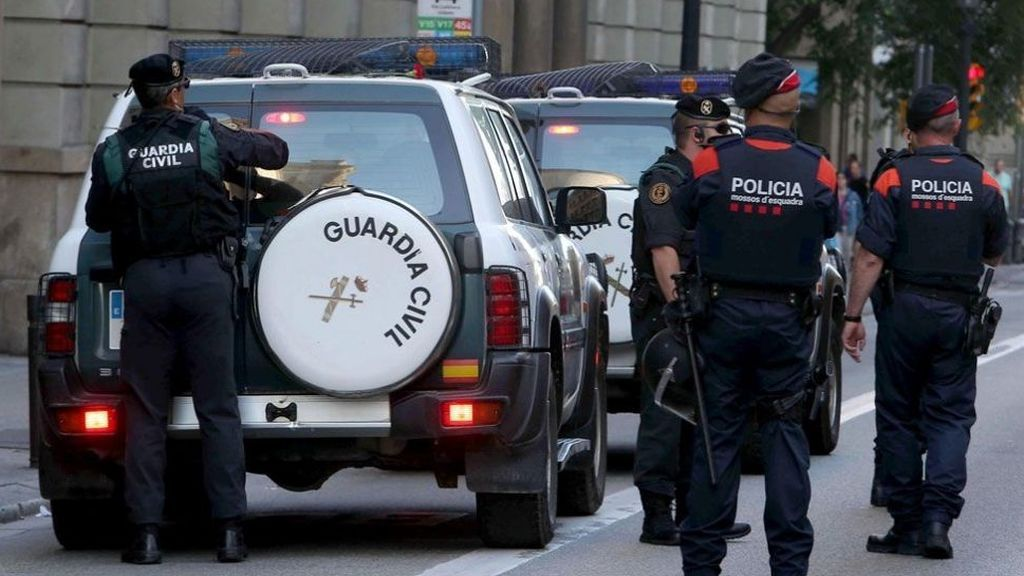 Interior ofrece a policías y guardias civiles la equiparación total con los sueldos de los Mossos en tres años