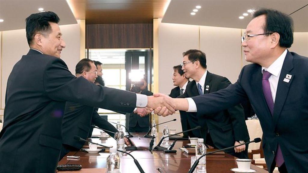 """Seúl y Pyongyang acuerdan desfilar juntos bajo la bandera de """"una Corea unida"""" en los JJOO de Invierno"""