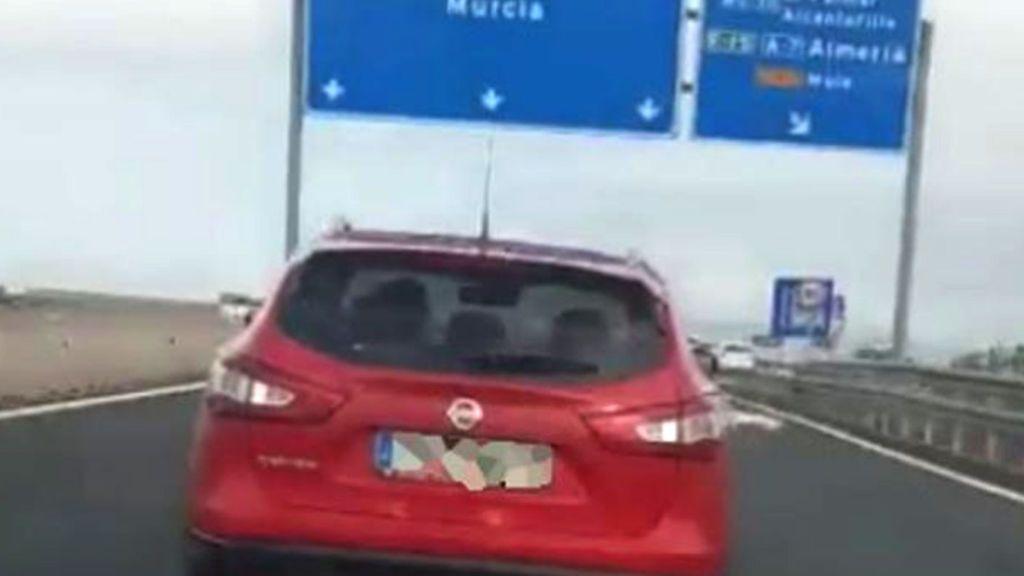 Frenazos y cambios de carril: Las barbaridades de un conductor en el Puerto de la Cadena en Murcia