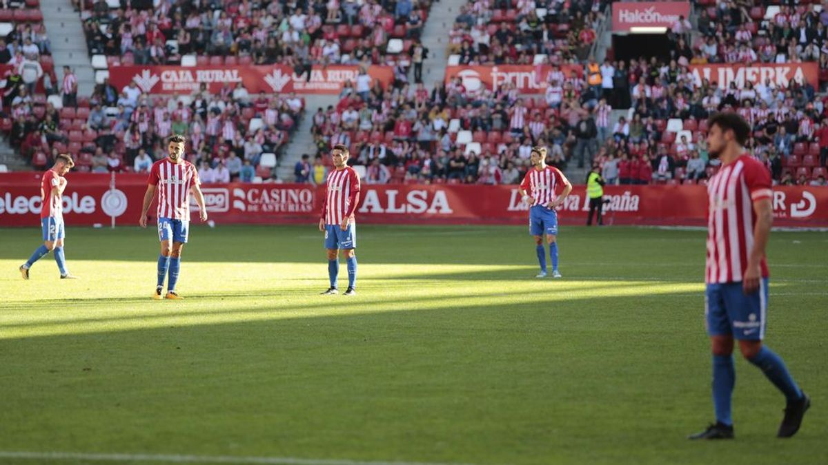 Una familia gijonesa se queda sin entradas y se hace socia del Lugo para ver el partido del Sporting en el Anxo Carro