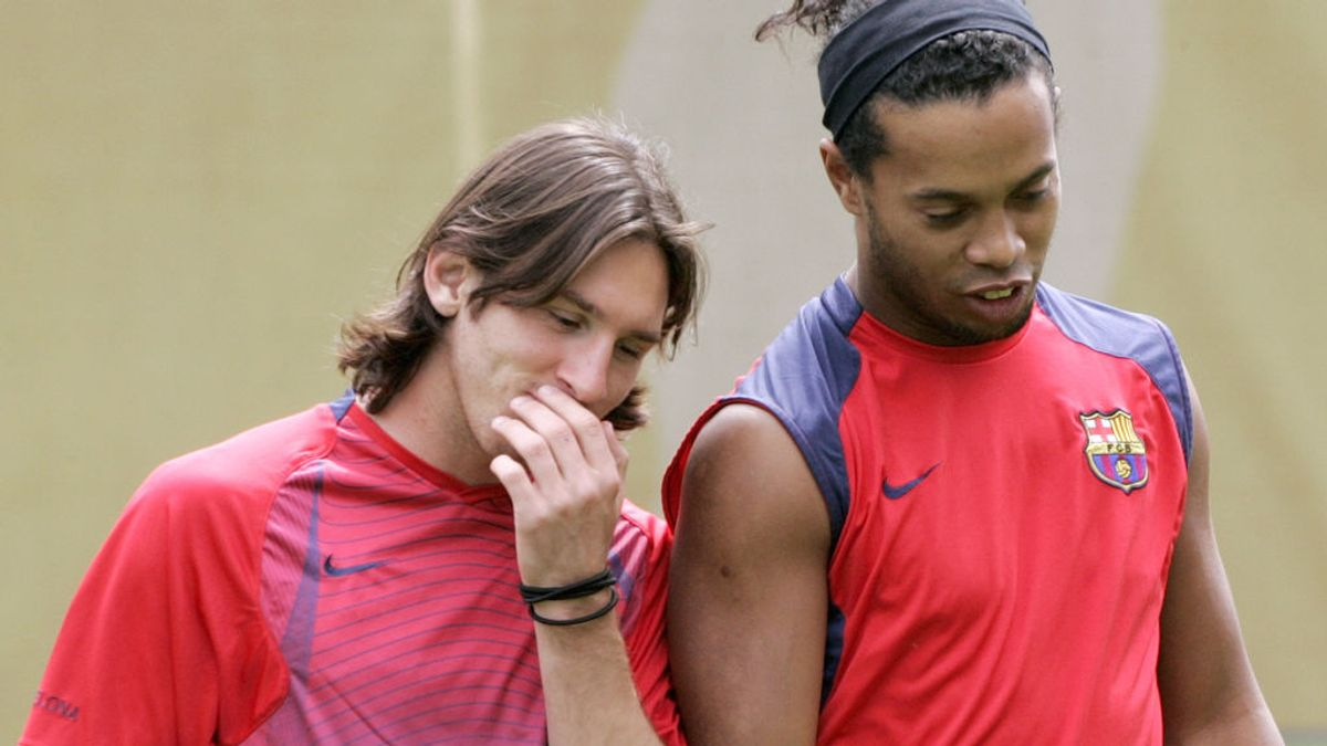 """La emotiva despedida de Messi a Ronaldinho: """"El fútbol no se olvidará de tu sonrisa jamás"""""""