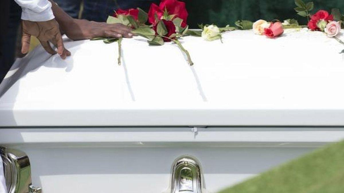 Una mujer da a luz varios días después de haber fallecido