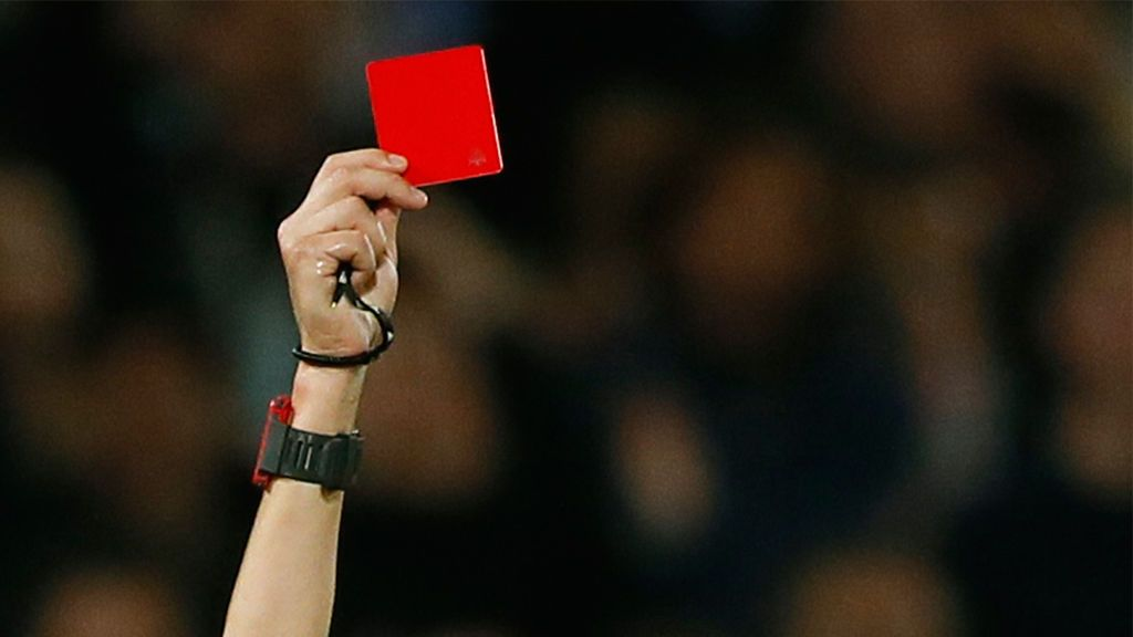 """Nicole, árbitro de 17 años que denuncia insultos machistas en un partido alevín: """"Sentí demasiado miedo, nunca me había sentido así"""""""