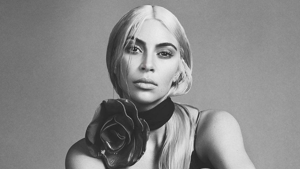 Kim Kardashian se pone a cocinar como una posesa y las redes la critican