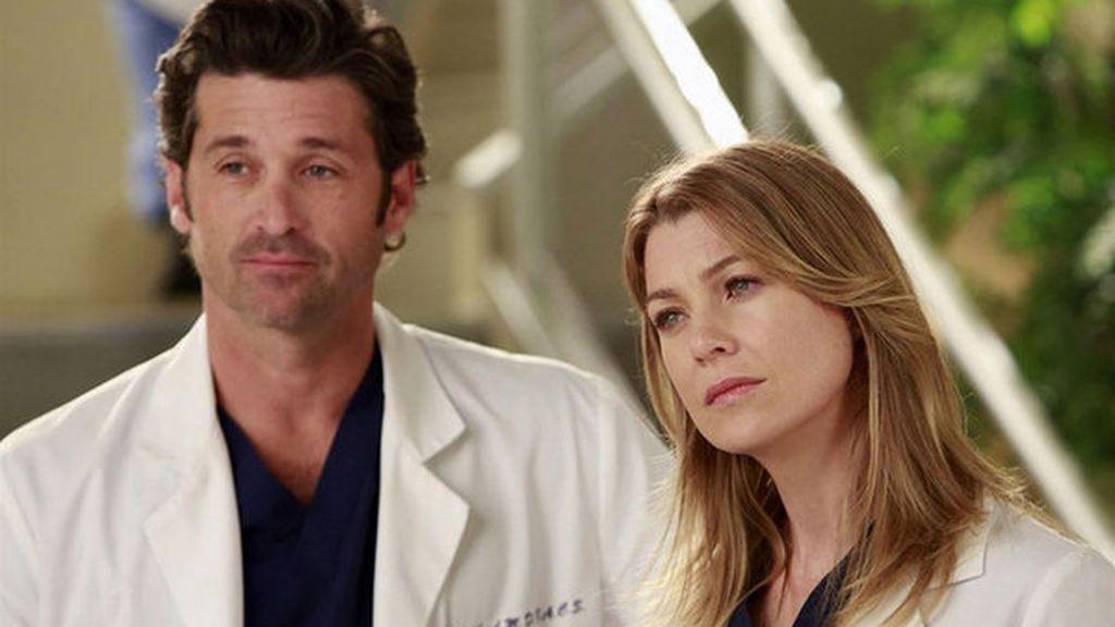 Patrick Dempsey y Ellen Pompeo, que interpretan a los doctores Derek Shepherd y Meredith Grey en 'Anatomía de Grey', en un capítulo de la 12ª temporada de la serie.