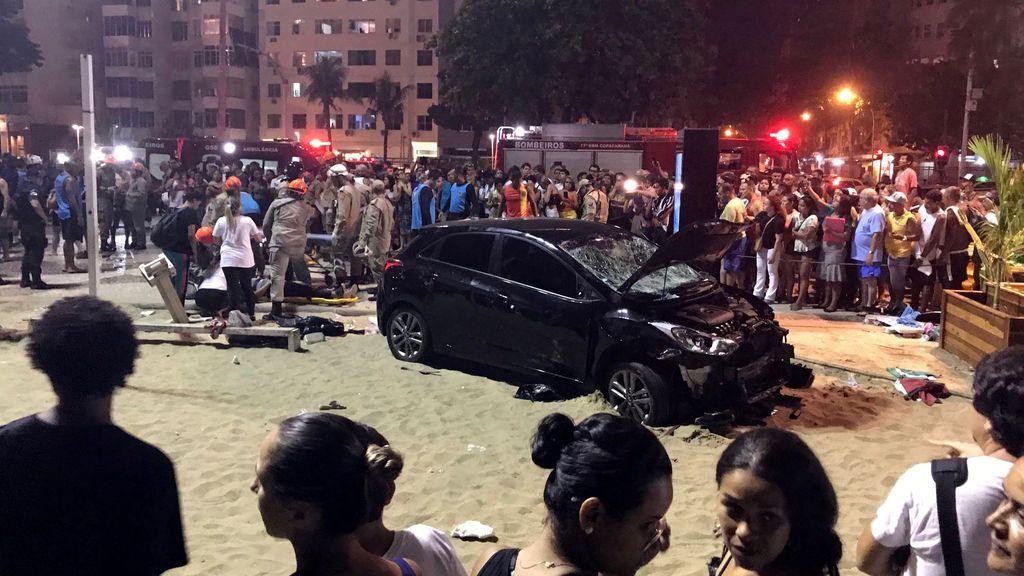 El vehículo que atropelló a 17 personas en la playa de Copacabana de Río de Janeiro