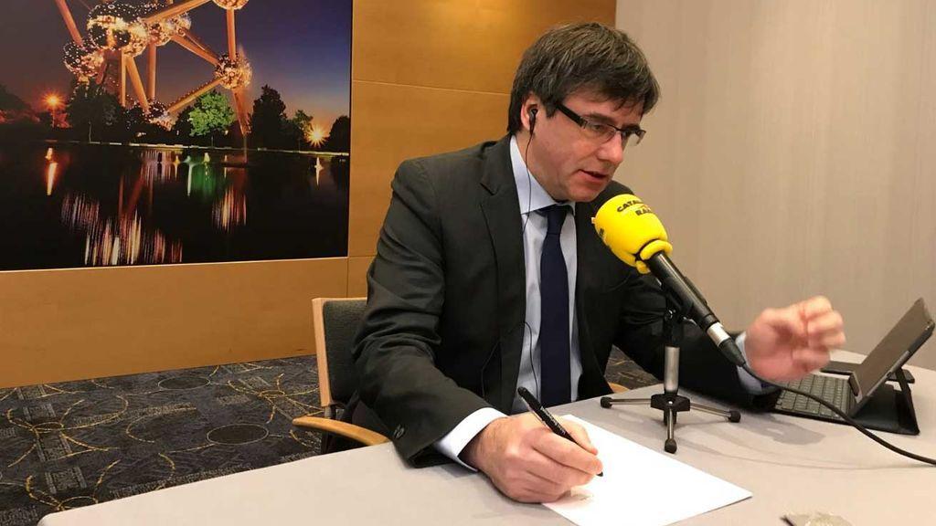 """Puigdemont defiende gobernar desde Bruselas: """"No podría hacerlo desde la prisión"""""""