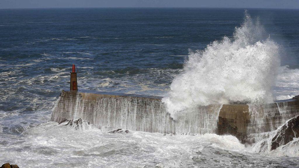 El fuerte oleaje afectará a la costa gallega y cantábrica