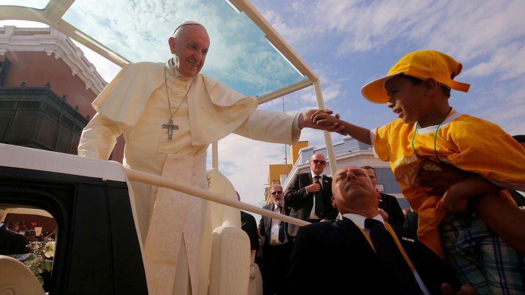 """El Papa insta a combatir la """"plaga"""" del feminicidio en Latinoamérica"""