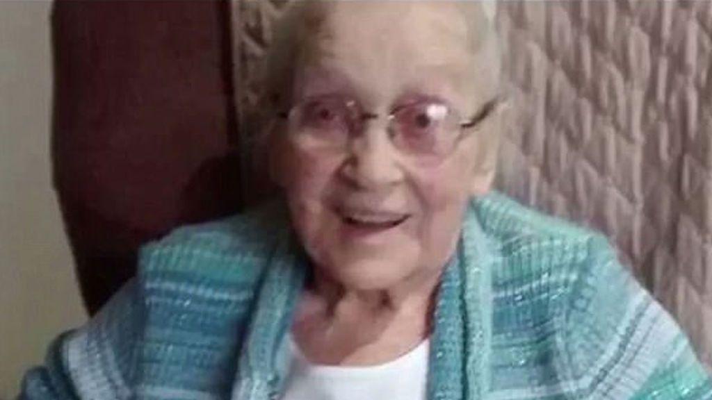 Una mujer de 102 años revela que su secreto para estar sana es comer chocolate