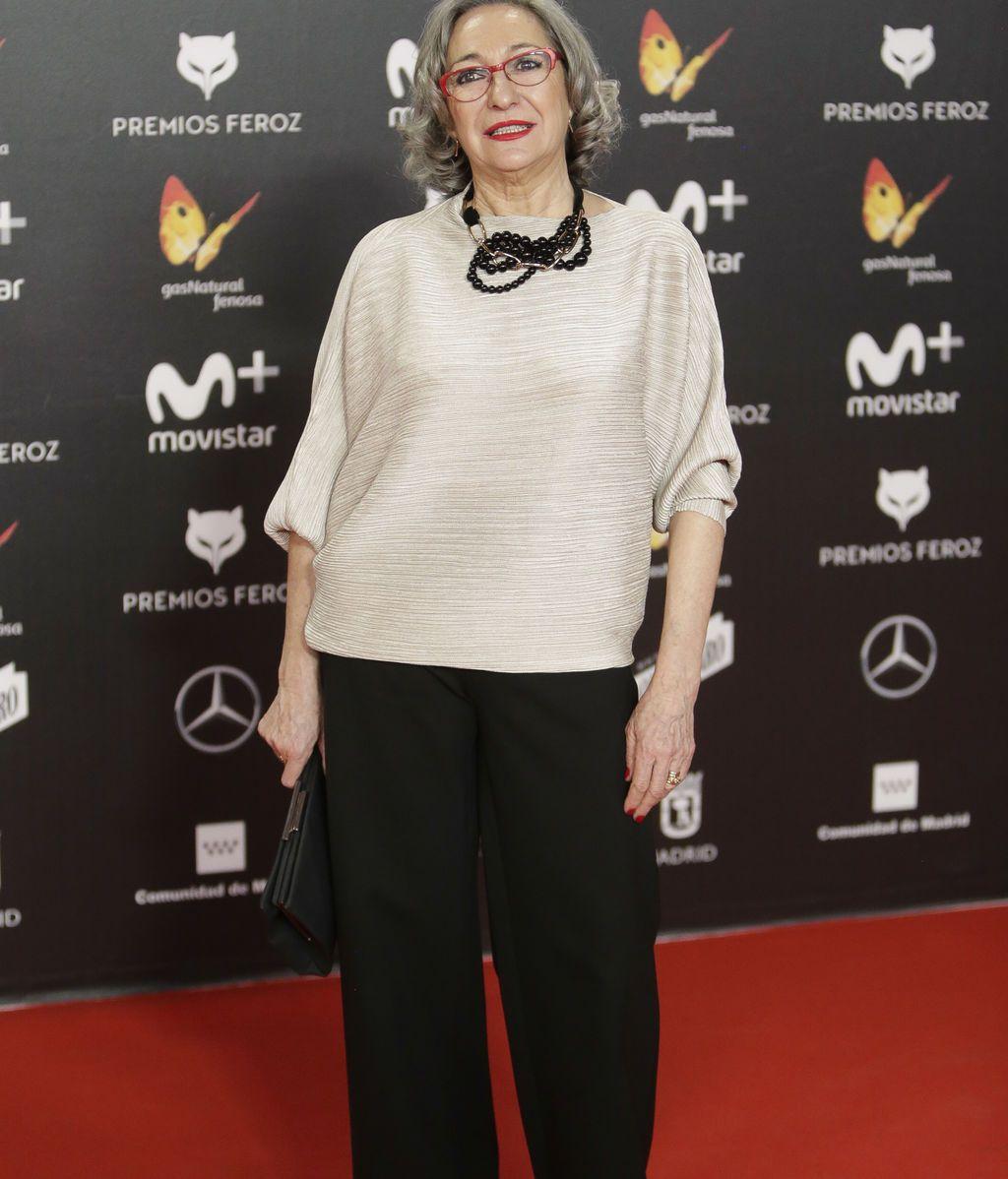 La actriz Luisa Gavasa, de las únicas en posar con pantalón