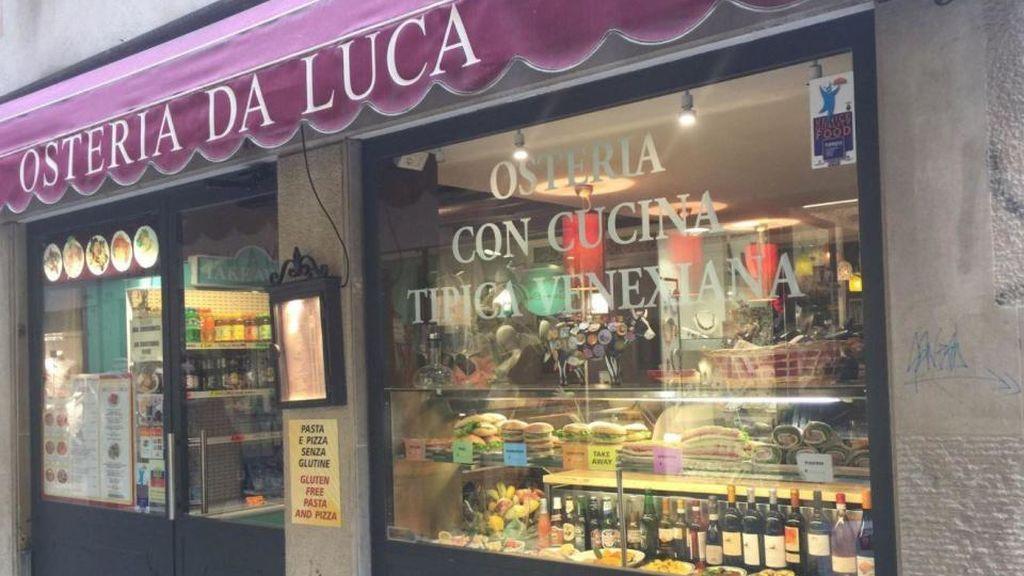 Un restaurante veneciano cobra 1.100 euros a unos estudiantes japoneses por tres filetes y un plato de pescado