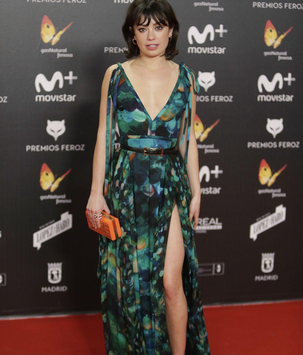 Anna Castillo ha lucido un vestido de estampado de pavo real