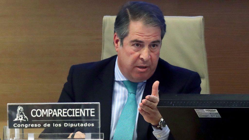 """Los consejos del director de la DGT en la Comisión por el colapso en la AP-6: """"Nunca escriban nada cabreados"""""""