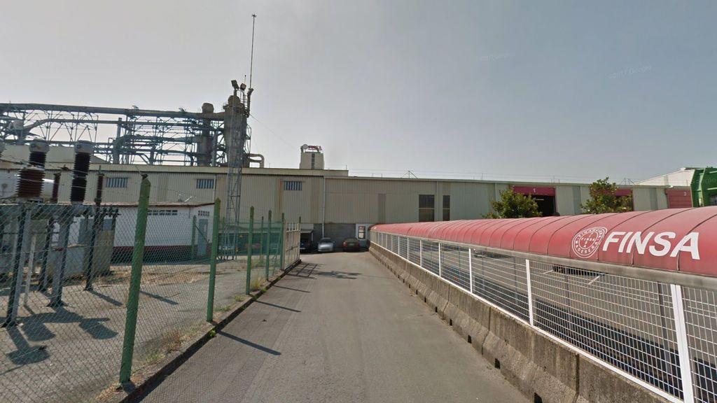 Cinco heridos, uno de ellos grave, en una explosión en una fábrica en Padrón