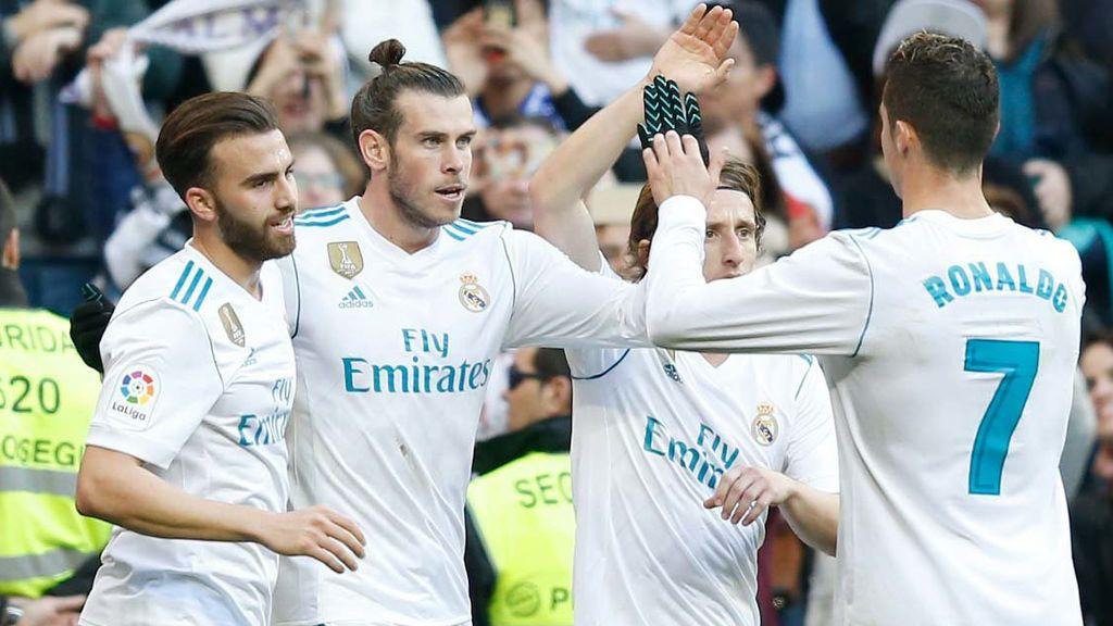 Los jugadores del Real Madrid Nacho, Gareth Bale, Luka Modric y Cristiano Ronaldo celebran un tanto anotado por el Real Madrid ante el Deportivo de la Coruña en el encuentro de Liga disputado el 21 de enero en el Santiago Bernabéu.