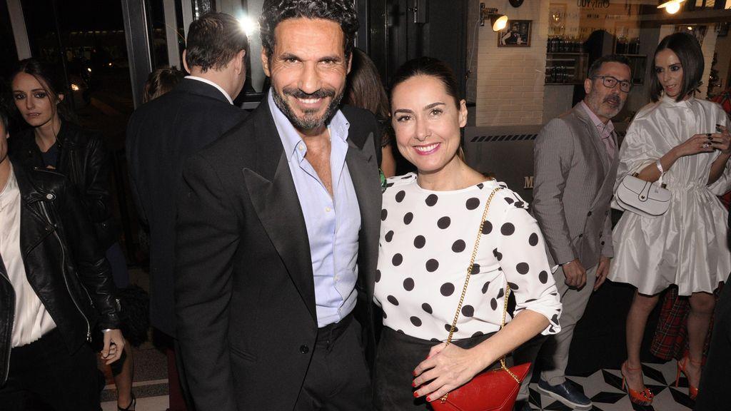Óscar Higares junto a Magali Yus en la fiesta de Yo Dona