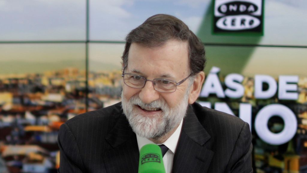 """Rajoy descarta una ley que evite la brecha salarial entre hombres y mujeres: """"No nos metamos en eso"""""""