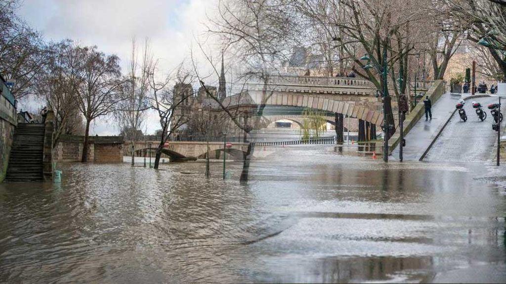 París, a punto de desbordarse: el Sena crece repentinamente e inunda las calles