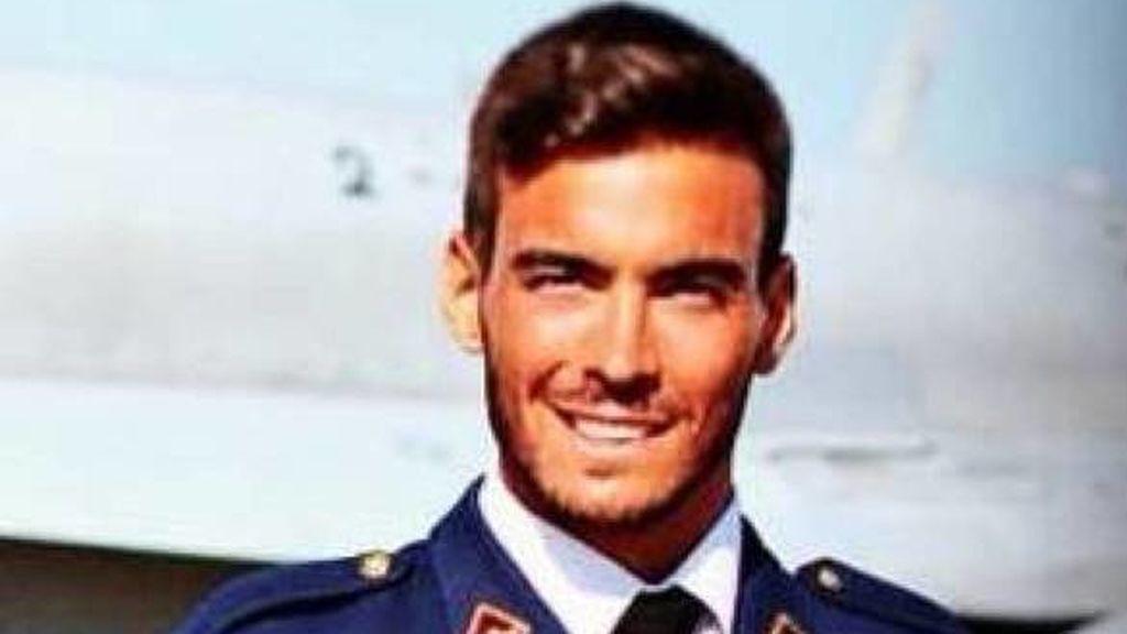 """Cospedal niega que el piloto del F-18 fallecido recibiera presiones y dice que la seguridad es """"prioritaria"""""""
