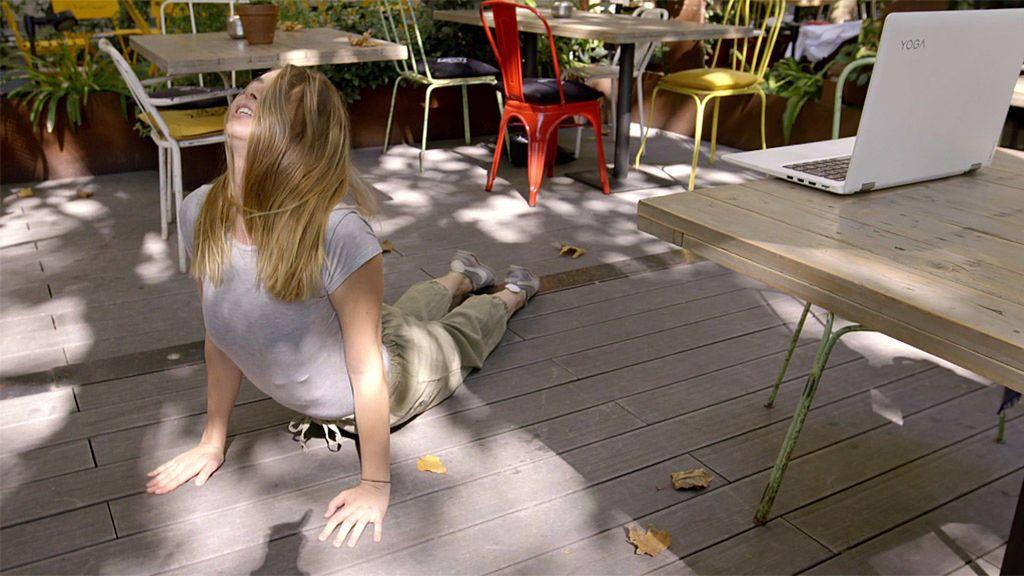Cristina Duato practica yoga con su madre… ¡A kilómetros de distancia!