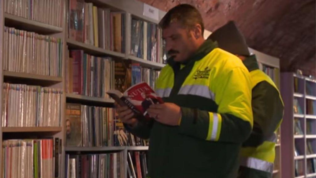 Crean una biblioteca comunitaria en una fábrica abandonada en Turquía